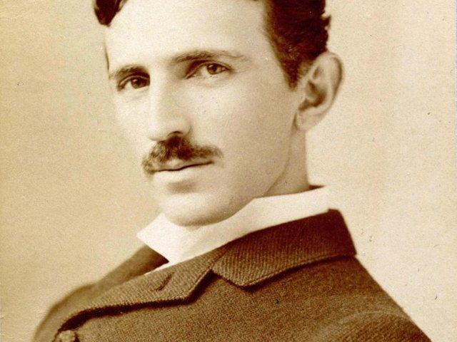 Nikola-Tesla-770x1037 (1)